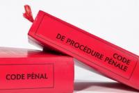 Procédure pénale : qui est compétent pour statuer sur une demande de mise en liberté lorsqu'une ordonnance de renvoi devant le tribunal correctionnel n'est pas définitive ?